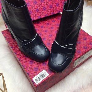 716ddbd85c16 Tory Burch Shoes - • Tory Burch bond bright navy blue booties 7m